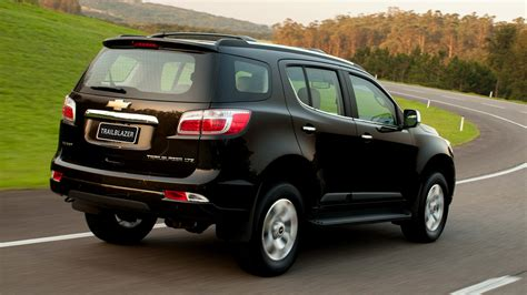 Chevrolet Trailblazer Backgrounds by Chevrolet Trailblazer 2012 Wallpapers And Hd Images