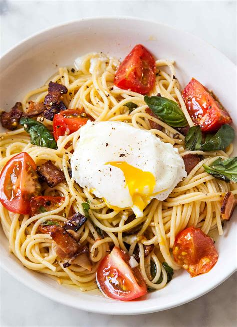 spaghetti with tomatoes bacon and eggs recipe simplyrecipes com