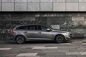 Volvo V60 Oversta Edition : volvo s60 and v60 business edition lux launched auto express ~ Gottalentnigeria.com Avis de Voitures