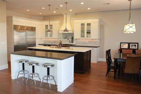 Benjamin Moore White Dove Cabinets  Traditional  Kitchen