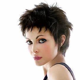 Coupe Courte Pour Visage Rond : qu elle coupe pour un visage rond hairbox ~ Melissatoandfro.com Idées de Décoration
