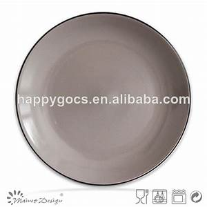 Assiette Noire Mat : assiette vaisselle vaisselle deux couleur de tonalit en gris et noir mat couverts et ~ Teatrodelosmanantiales.com Idées de Décoration