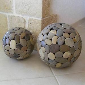 Galet De Decoration : lampe globe en galets globes en galets galets deco ~ Premium-room.com Idées de Décoration