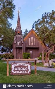 Little church of west wedding chapel las vegas paradise for Little wedding chapel las vegas