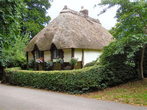 thatched cottage file thatched cottage cockington geograph org uk