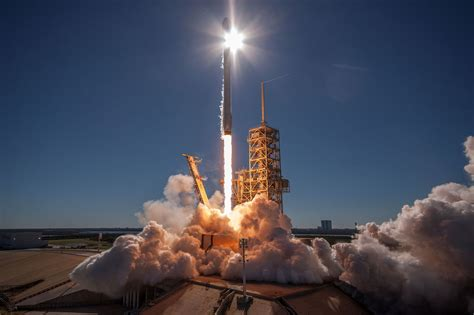 breitbart  conservative outlets escalate anti spacex