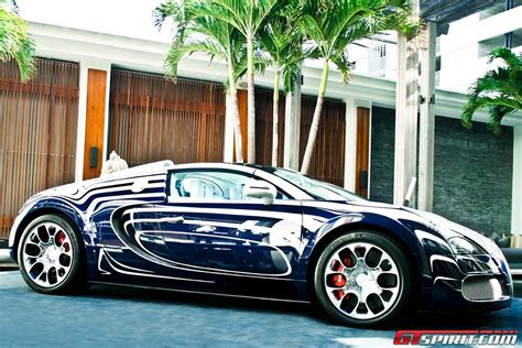 If you want to get the most from your trip, renting a bugatti may be perfect solution for you. Bugatti Veyron Grand Sport L'Or Blanc in Miami Beach - GTspirit