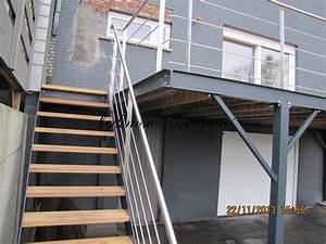 terrasse suspendue en bois balcon inox et metal With terrasse en bois suspendue