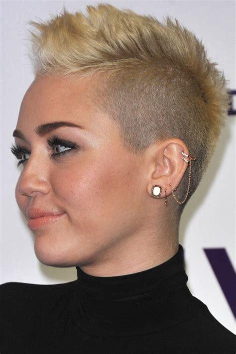 top  hottest  short hairstyles  women