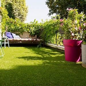 Tapis Pour Balcon : am nager un balcon avec des plantes et une table c t ~ Voncanada.com Idées de Décoration
