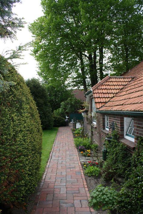 Der Garten Ischtar Friesen by Ostfriesland Ferienwohnungen Urlaub Unterkunft In