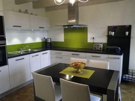 cuisine blanche et verte cuisine grise et verte pas cher sur cuisine lareduc com