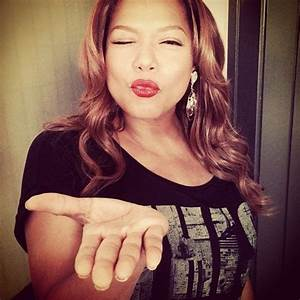 Queen Latifah---I need this red lips look like my twin ...