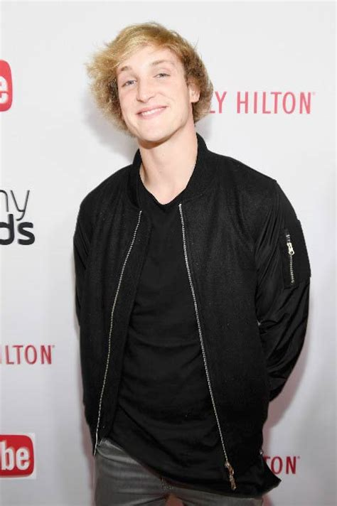 In fall 2016, paul returned to youtube from vine and started daily vlogging. Logan Paul Height Weight Body Statistics - Healthy Celeb