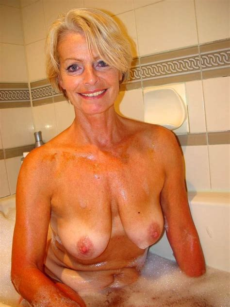 Blonde Mature Justine Taking A Hot Bath Blonde Porn
