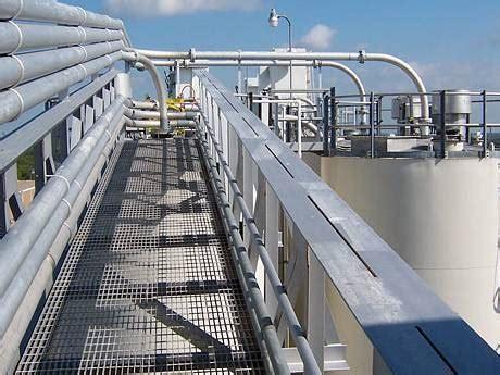 steel grating  oil storage walkway platform floor
