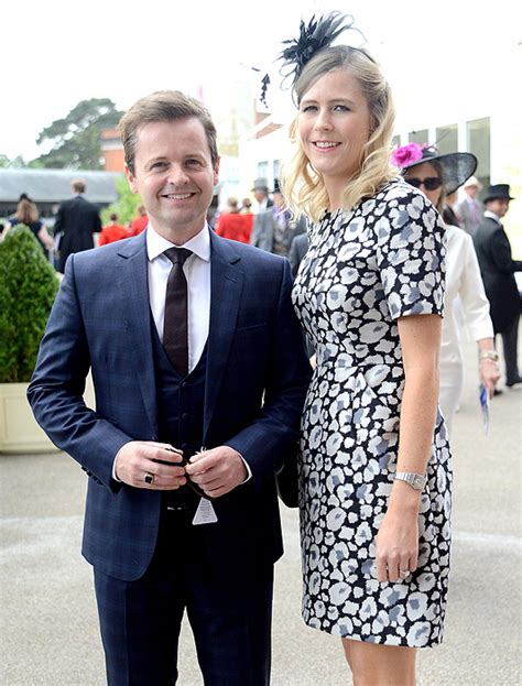 declan donnelly weds ali astall  newcastle surrounded