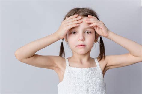 frequenti mal di testa cause mal di testa nei bambini cause pi 249 frequenti e cosa fare