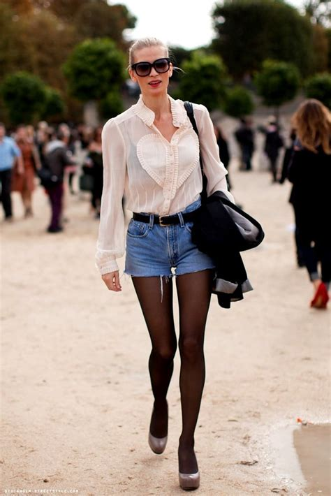 36 Stylish Outfit Ideas with Shorts and Tights - Sortra
