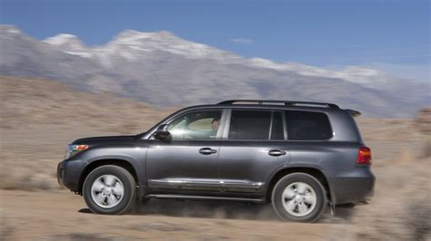Toyota Land Cruiser Wallpapers by 2013 Toyota Land Cruiser Hd Wallpapers