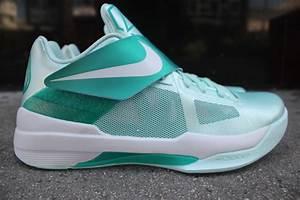 Nike Zoom KD IV 'Easter' Release Reminder