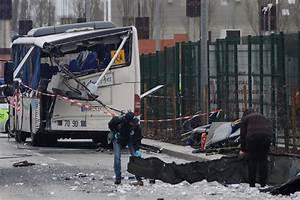 Accident Mortel A Paris Aujourd Hui : france school bus crash with truck kills students in rochefort on atlantic coast cbs news ~ Medecine-chirurgie-esthetiques.com Avis de Voitures