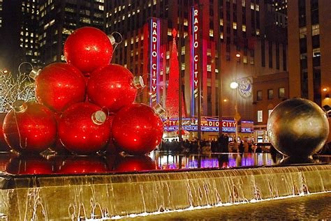 Nyc ♥ Nyc Giant Christmas Ornaments At 1251 Sixth Avenue