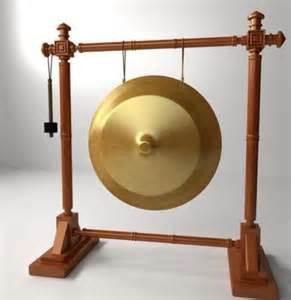 Beberapa contoh alat musik ini misalnya seperti timpani, triangle, konga, drum, marakas, simbol, tamborin. Alat Musik Ritmis Pukul - BLENDER KITA