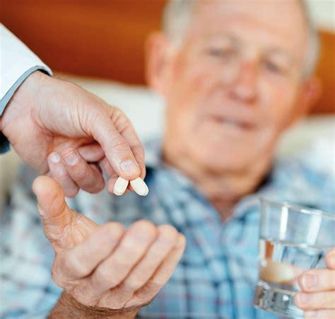 Umgang mit Medikamenten in der Pflege zuhausepflegende
