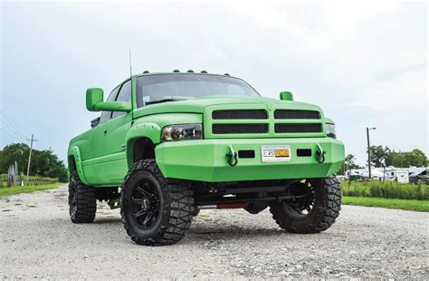 1998 Dodge Ram 2500   Mean Green
