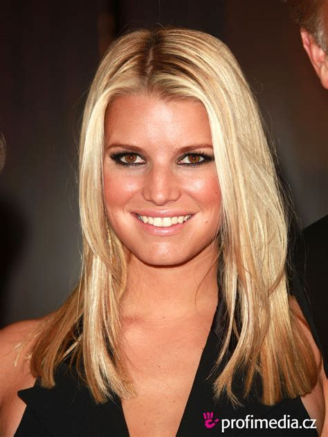 Jessica Simpson     hairstyle   easyHairStyler