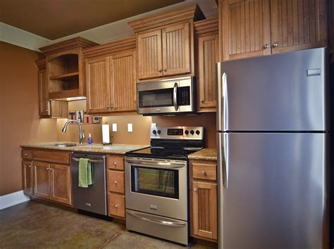 refinish  cabinets   perfect wood stain art