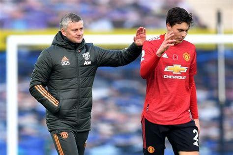 Man Utd suffer Victor Lindelof injury blow as Sweden boss ...