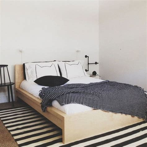 Ways To Your In Bed by 15 Creative Ways To Make Your Bed Awesome Apartment Geeks