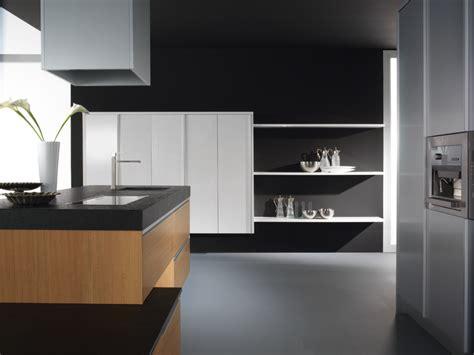 encimera negra  cocina  muebles blancos  encimera