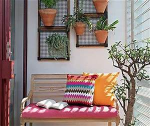 balkon ideen mit holzbank und wandgestaltung mit blumen With balkon ideen kinder