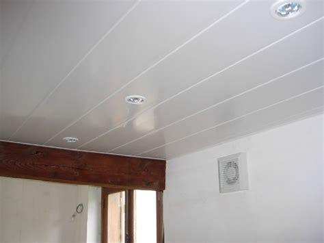 plafond pvc cuisine poser du lambris pvc au plafond
