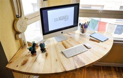 how to make a corner desk diy pallet wood corner computer desk 101 pallets