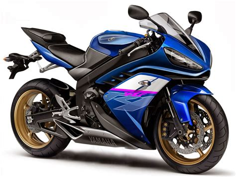 Review Yamaha R1 yamaha yzf r1 2014 review and photos riders