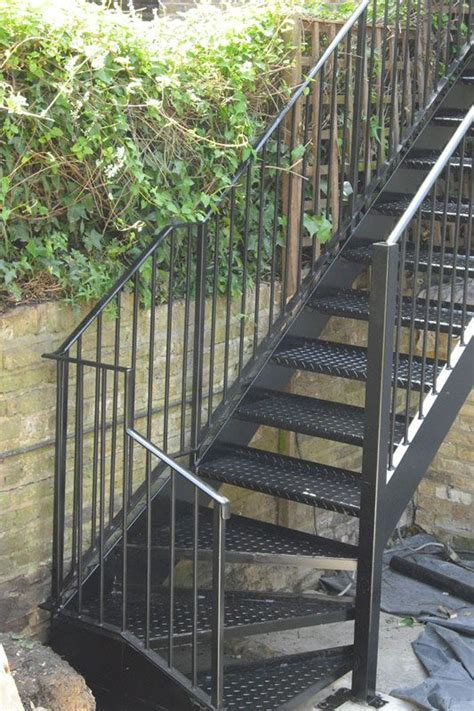 exterior steel staircase london   staircase