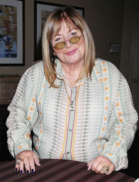 patton oswalt league of their own rosie o donnell and more react to penny marshall s death