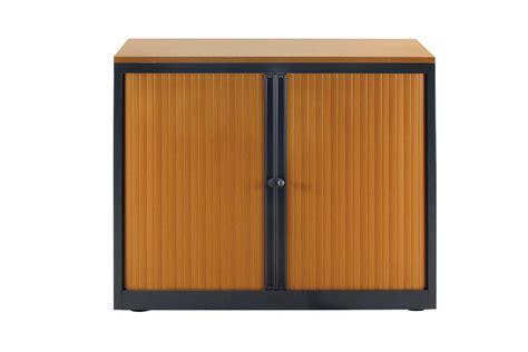 armoire m 233 tal et rideaux de couleur bois tablettes adapt 233 e aux dossiers suspendus mobilier de