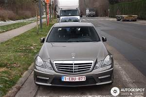 Mercedes V8 Biturbo : mercedes benz e 63 amg w212 v8 biturbo 22 stycze 2019 ~ Melissatoandfro.com Idées de Décoration