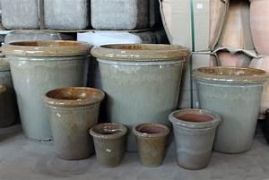 Gartengestaltung mit moderner aussenkeramik keramikstadel for Whirlpool garten mit pflanzkübel xxl keramik