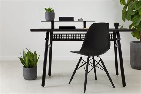 Artifox Minimalist Desk 02 Black Edition » Gadget Flow