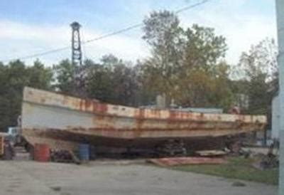 Boat Motor Repair Chattanooga Tn by Drawbacks To Houseboat Hull Materials Aluminum