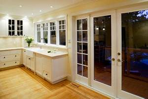 Feuchtigkeit Am Fenster : schwitzwasser am fenster so vermeiden und beseitigen sie es ~ Watch28wear.com Haus und Dekorationen