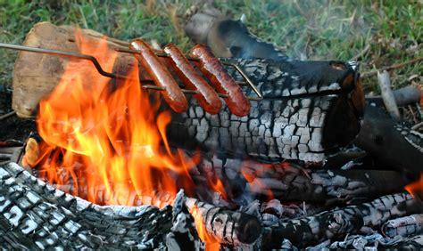 roast  hot dog   campfire bar