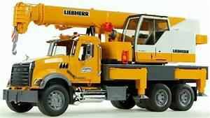 Mack Granite Liebherr Crane Truck  Bruder 02818