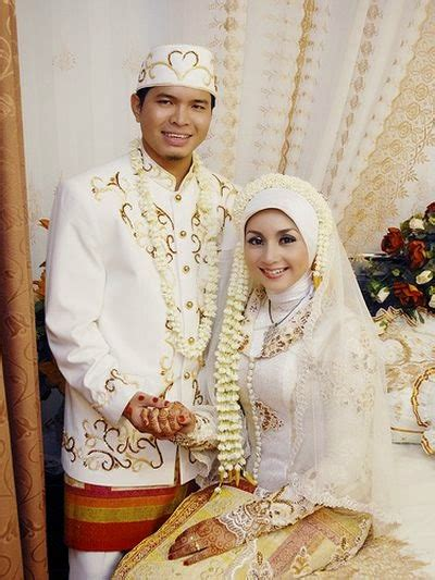 gaun pengantin jawa muslimah simple terbaru